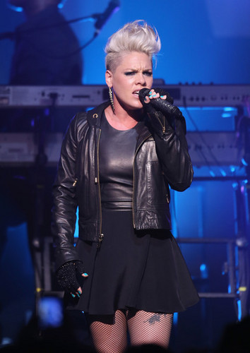pink Live At The foramu