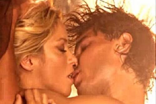 Shakira and Nadal tongue