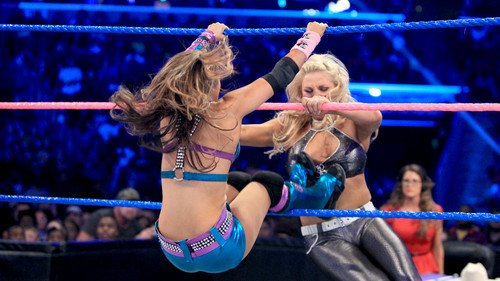 WWE 레일라 바탕화면 called Smackdown Digitals 10/19/12