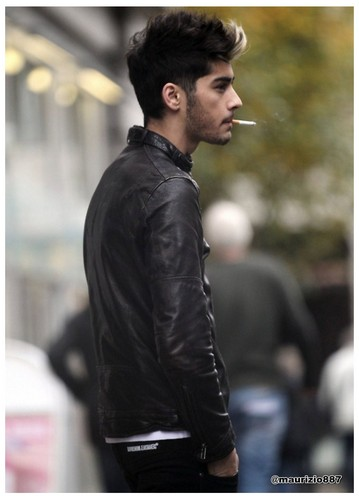 one direction fondo de pantalla containing a business suit and a well dressed person titled Zayn Malik, 2012