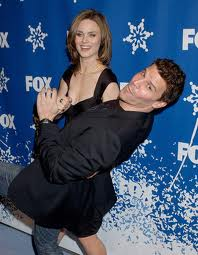 Emily Deschanel fond d'écran probably with a well dressed person entitled emily