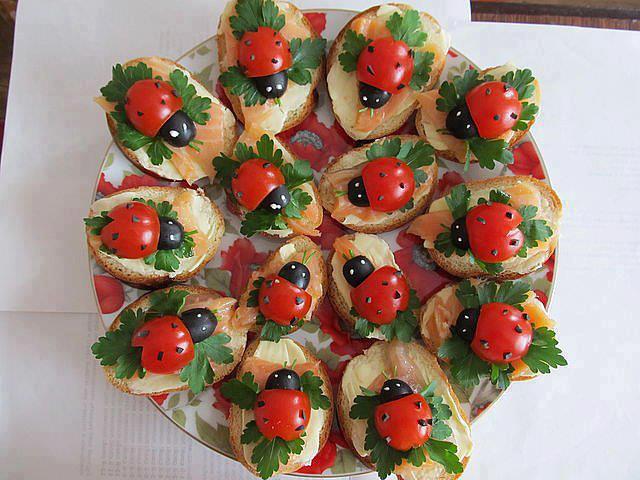 Детские праздничные салаты и бутерброды с фото