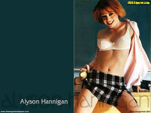 Alyson Hannigan kertas dinding probably containing a bikini and attractiveness entitled Alyson Hannigan