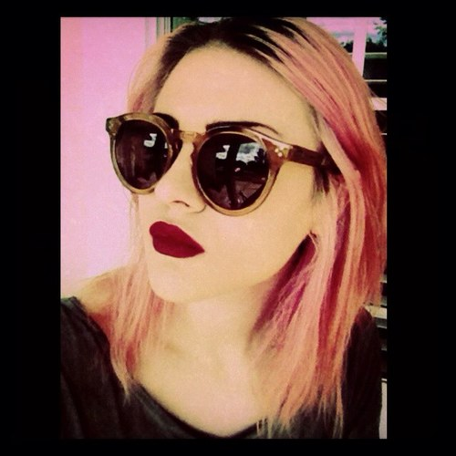 Frances Bean Cobain wallpaper containing sunglasses entitled  Frances Bean Cobain