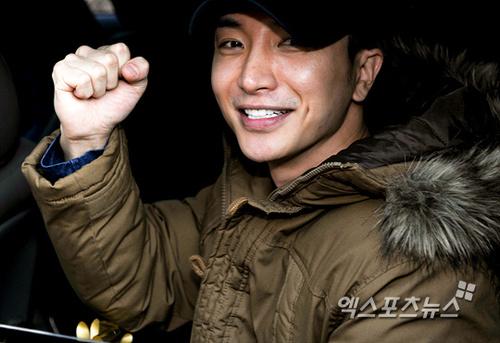 Leeteuk's Enlistment! :'(