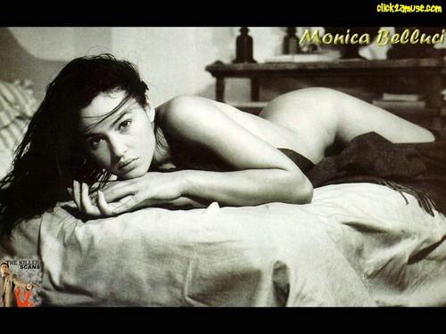 monica bellucci wallpaper with skin called Monica Bellucci