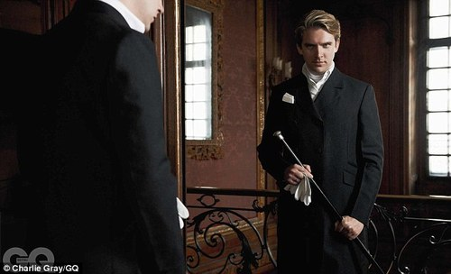 Downton Abbey 壁纸 containing a business suit entitled Allen Leech and Dan Stevens photographed 由 Charlie Grey for GQ UK, November 2012