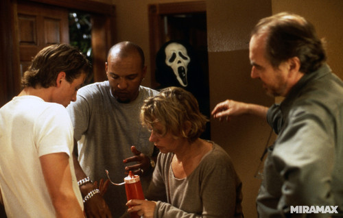 Behind the scenes: 10 killer photos from 'Scream'