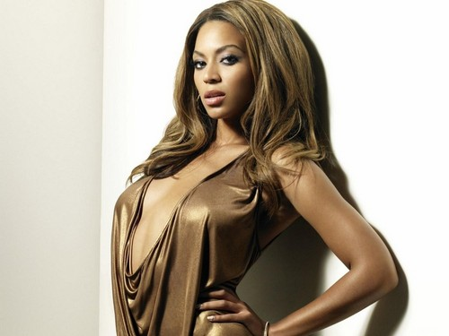 Beyonce wallpaper possibly with a cocktail dress, attractiveness, and a bustier entitled Beyonce