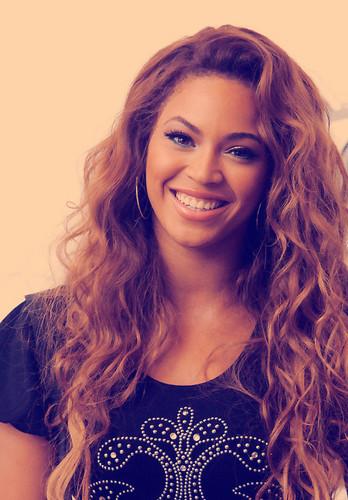 Beyoncee:) <3