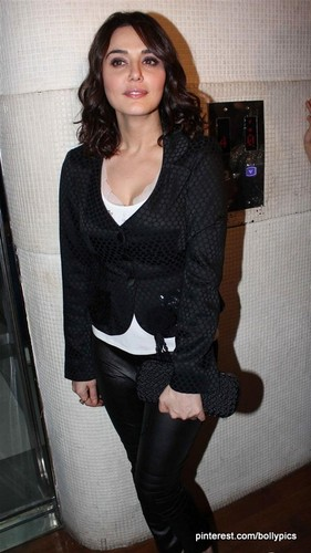 "Charming Preity Zinta at album launch of ""Hungama Ho Gaya"" - preity-zinta Photo"