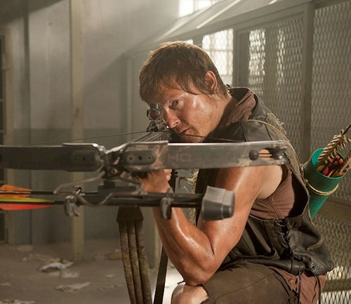 Daryl Dixon wallpaper probably with a rifleman and a green beret titled Daryl Dixon
