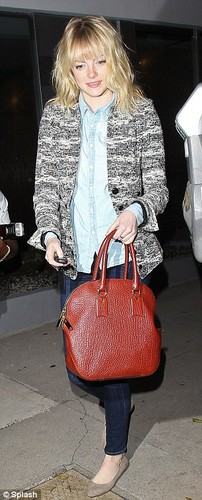 Emma leaving hair salon in West Hollywood, 5 November
