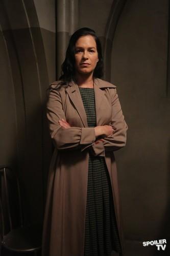 Episode 2.04 - I Am Anne Frank, Pt. 1 - Promo picha