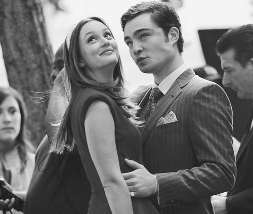 Blair & Chuck hình nền possibly containing a business suit entitled GG