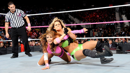 WWE LAYLA پیپر وال entitled Hell in a Cell Digitals 10/28/12