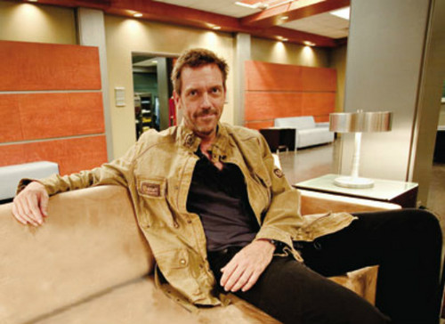 Hugh Laurie wallpaper probably with a trench coat titled Hugh Laurie- Set House MD