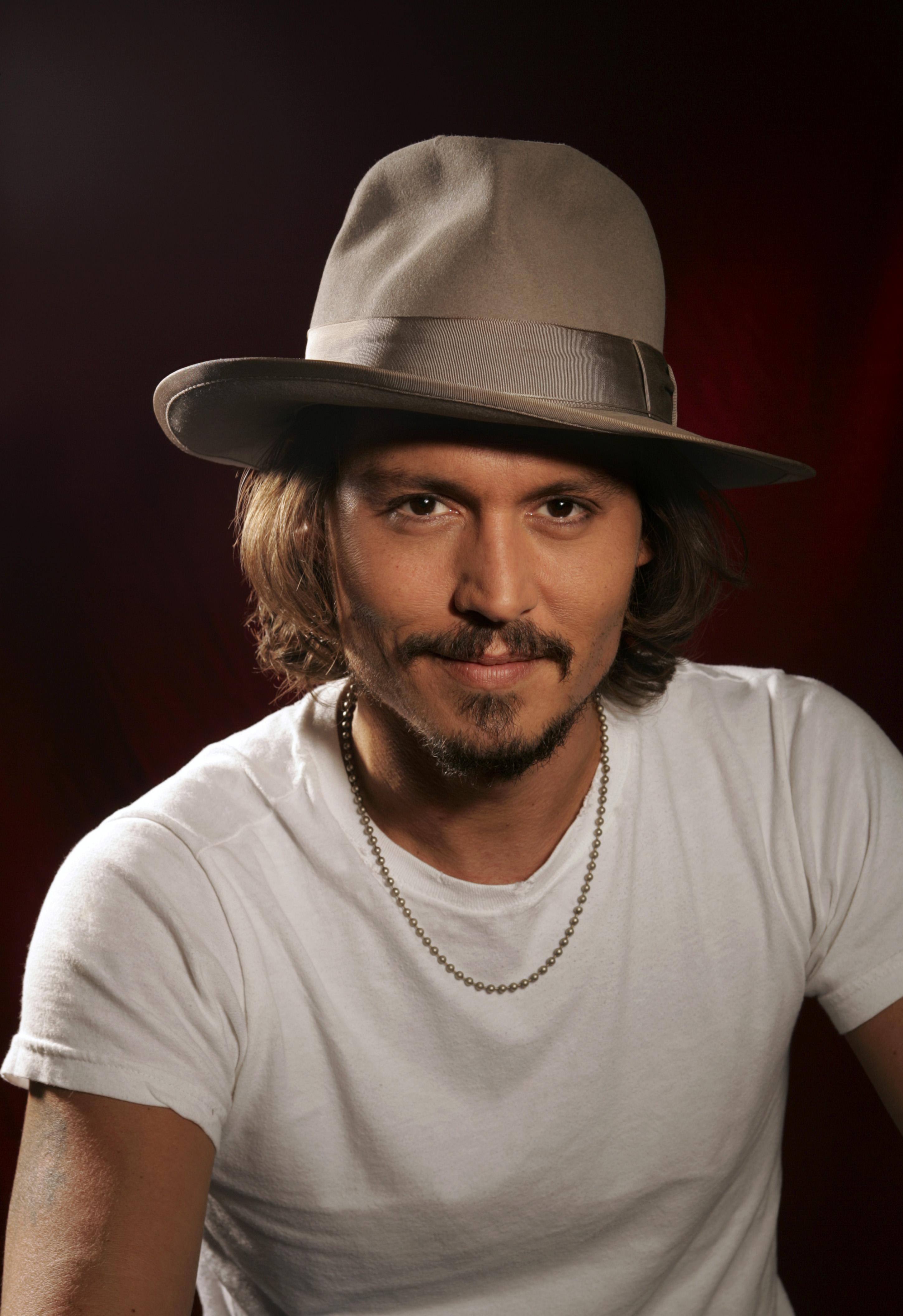 jhonny depp Johnny depp biography, news, photos, videos, movie reviews, music, footage, press releases, comments, quotes | johnny depp (born 961963) johnny depp is an american actor who has played a.