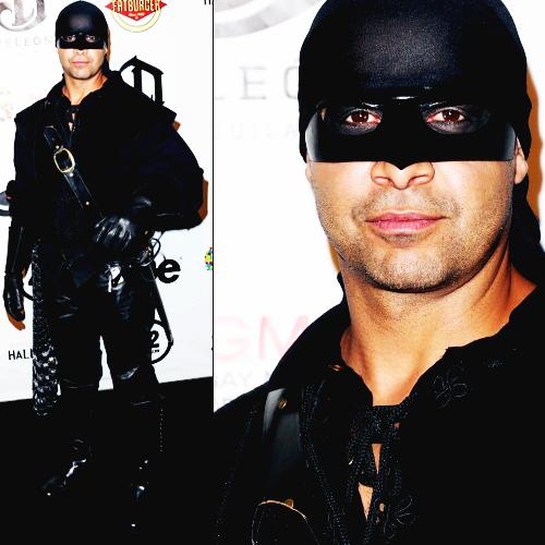 Jon Huertas हैलोवीन Costume