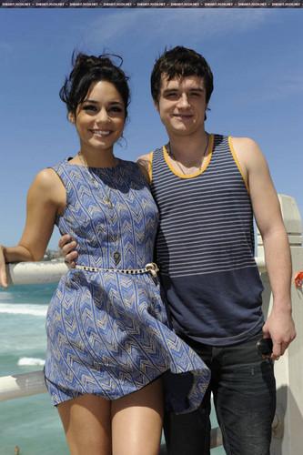 Josh and Vanessa//Bondi playa