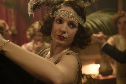 Katherine Parkison fond d'écran called Katherine Parkinson as Marion Whittaker in Easy Virtue