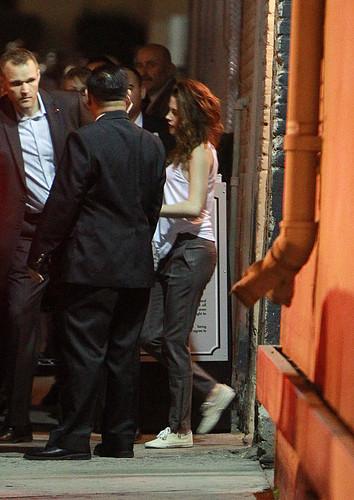 Kristen outside Jimmy Kimmel [Nov 5th]
