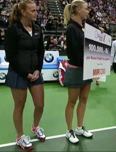Kvitova and Sharapova legs