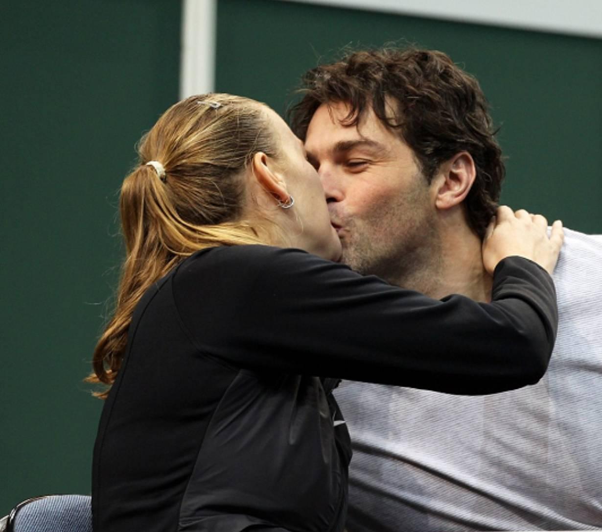 Kvitova kiss with Jagr !
