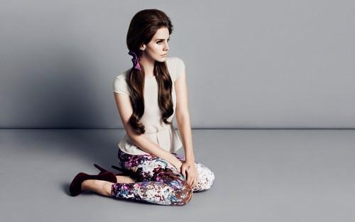 Lana Del Rey karatasi la kupamba ukuta entitled Lana Del Rey