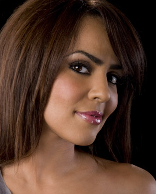 WWE-蕾拉 壁纸 with a portrait titled Layla Photoshoot Flashback
