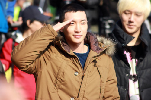 Leeteuk Enters Military Service :'(