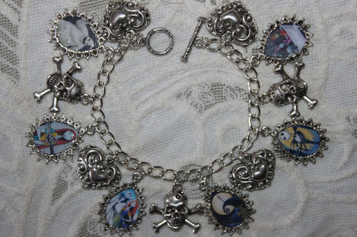 Nightmare Before krisimasi charm bracelet