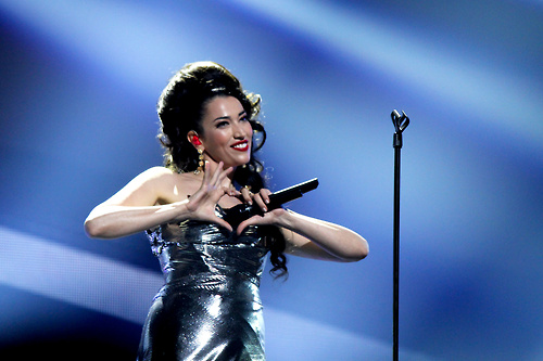 Eurovision Song Contest wallpaper probably with a concert entitled Nina Zilli (Italy 2012)