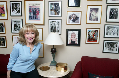 Barbara Eden Hintergrund possibly containing a family room, a morning room, and a living room titled Barbara