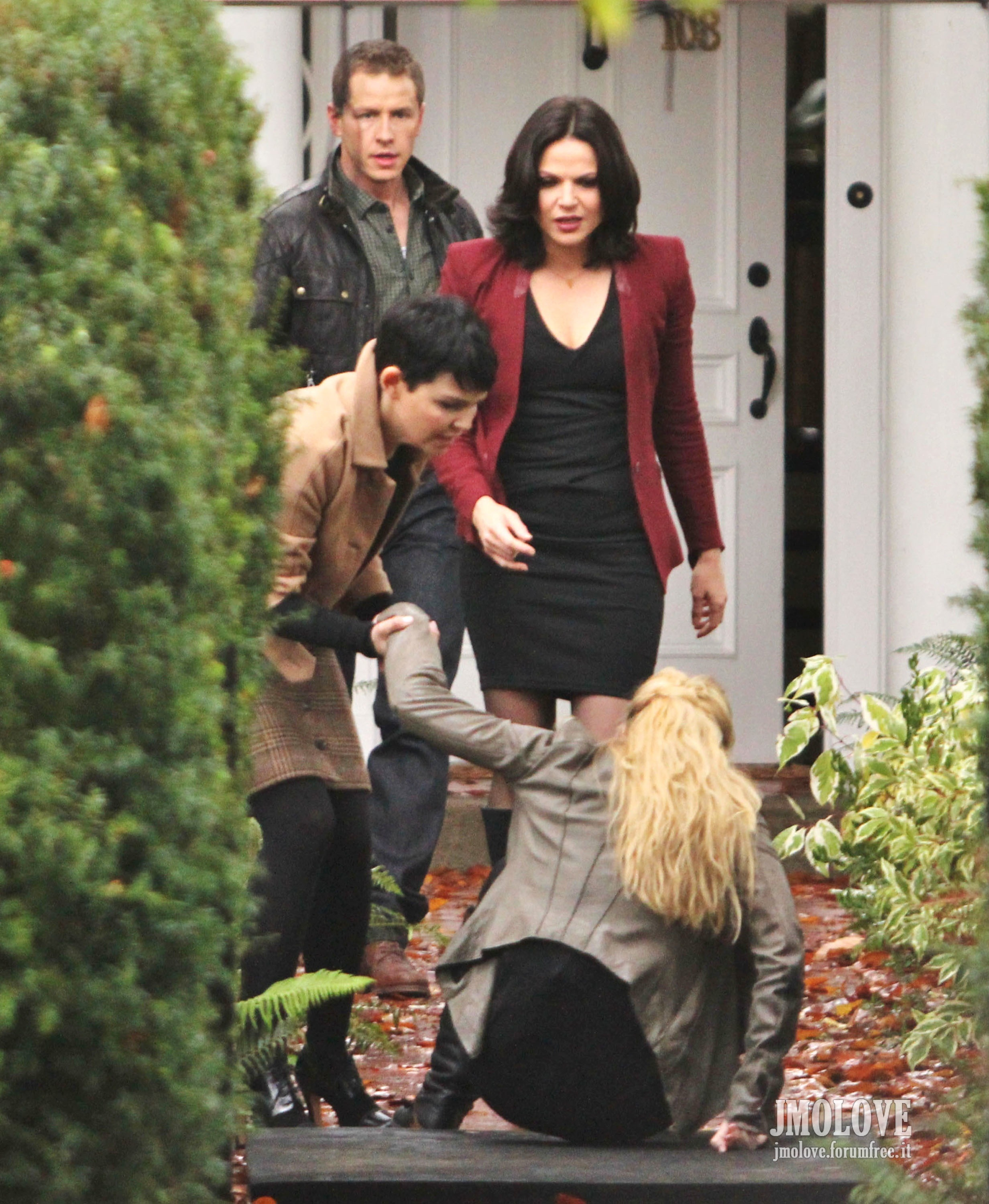 Once Upon A Time - Season 2 - October 30th, 2012 set photos