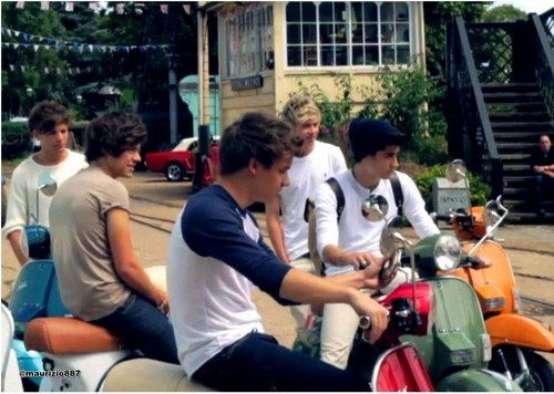 One Direction Take Me 집 photoshoot 2012