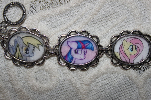 My Little Pony wallpaper titled Pick Your Own Ponies MLP bracelet