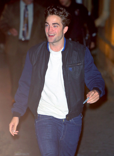 Robert outside Jimmy Kimmel [Nov 5th]