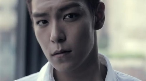 top, boven looking super cute<3