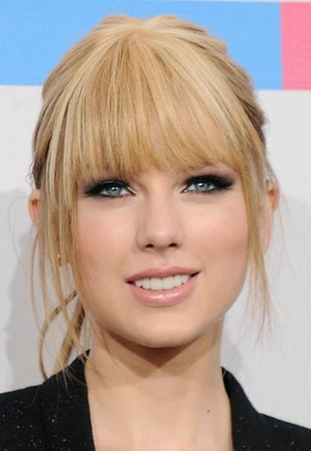 Taylor cepat, swift Makeup looks