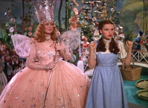 Le Magicien d'Oz fond d'écran probably with a hoopskirt and a crinoline entitled The Wizard of Oz