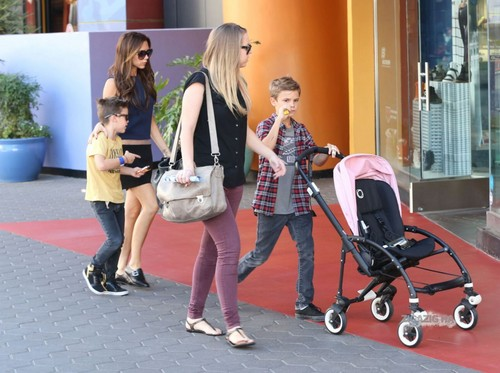 Victoria and her kids