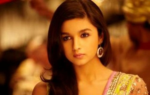Алия Бхатт Обои containing a portrait and attractiveness entitled alia bhatt