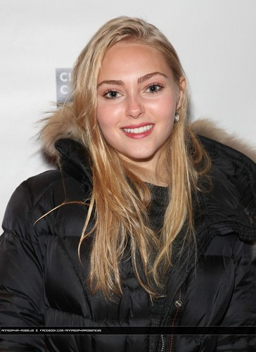 http://annasophia-robb.us @ AnnaSophia Robb attends Ivanov Opening Night Lights Back