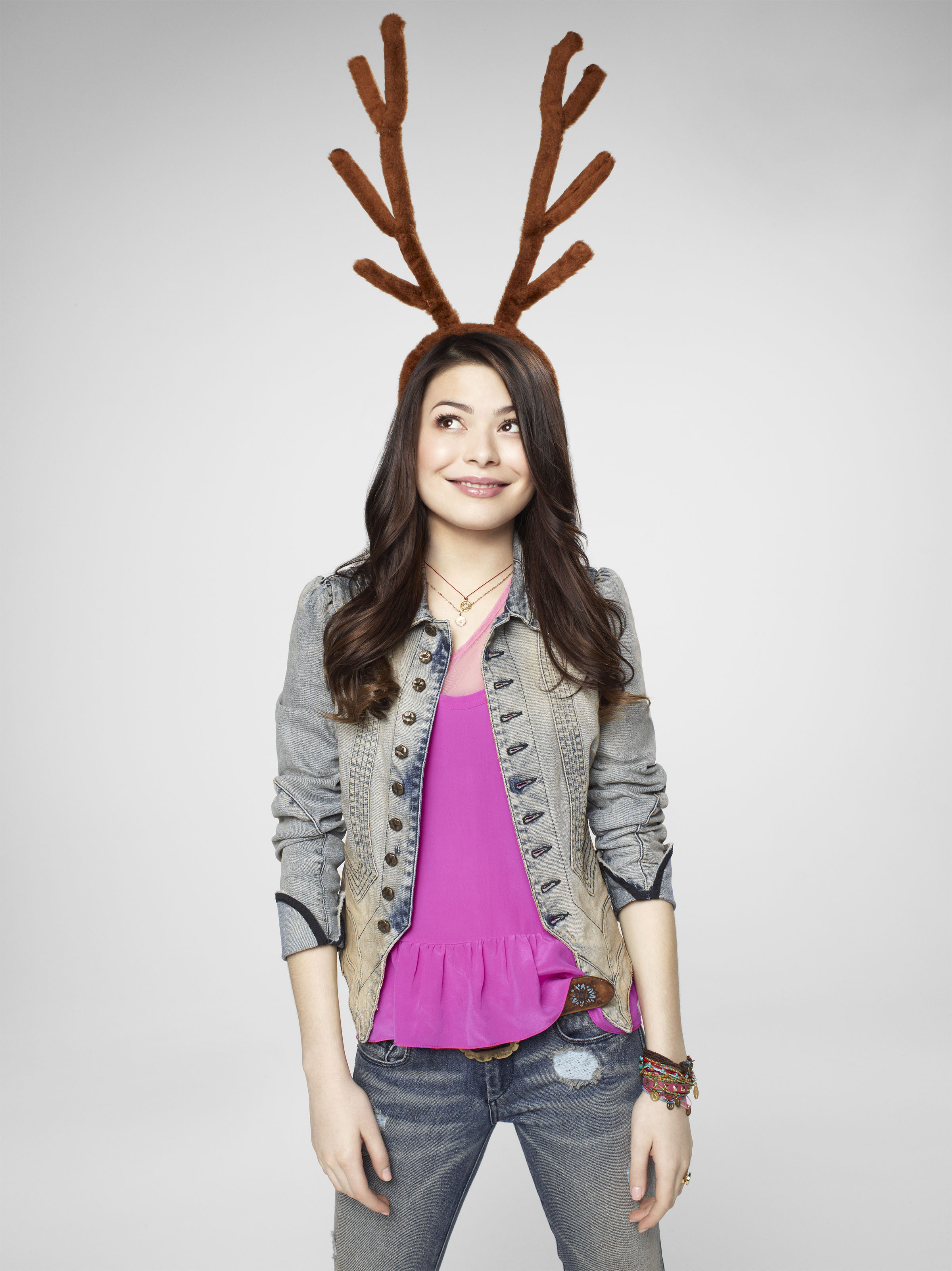 Miranda Cosgrove images iCarly \'Happy Holidays\' Promos - 2011 HD ...