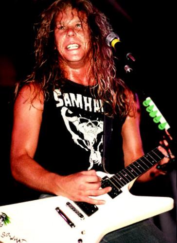 James Hetfield fond d'écran containing a guitarist and a concert called james