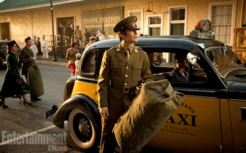 'The Vampire Diaries': See Damon in uniform -- EXCLUSIVE تصویر