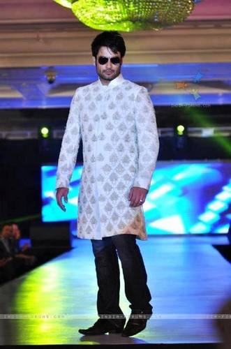 Vivian Dsena fond d'écran containing a boater and a fedora called @ Umeed-Ek Koshish charitable fashion montrer