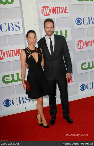 Lucy Liu fond d'écran with a business suit and a suit called 2012 TCA Summer Tour