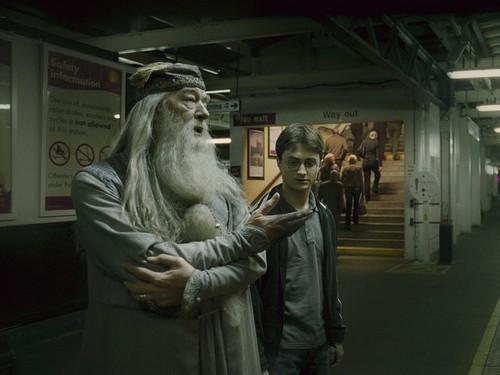 Hogwarts Professors wallpaper entitled Albus Dumbledore Wallpaper